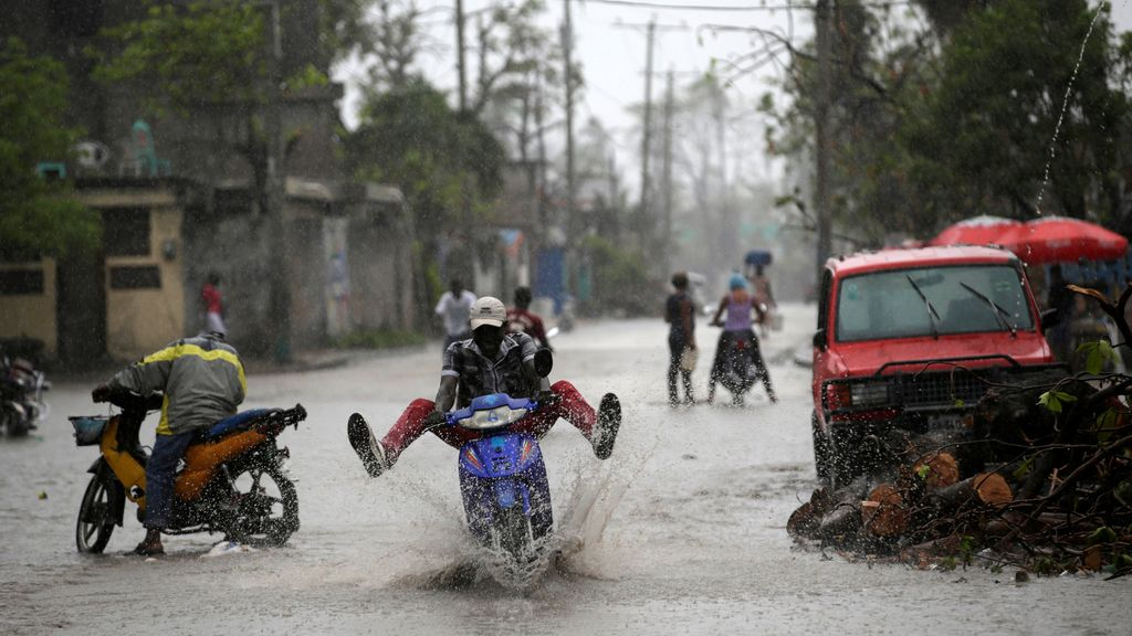 Las calles de Haití continúan inundadas