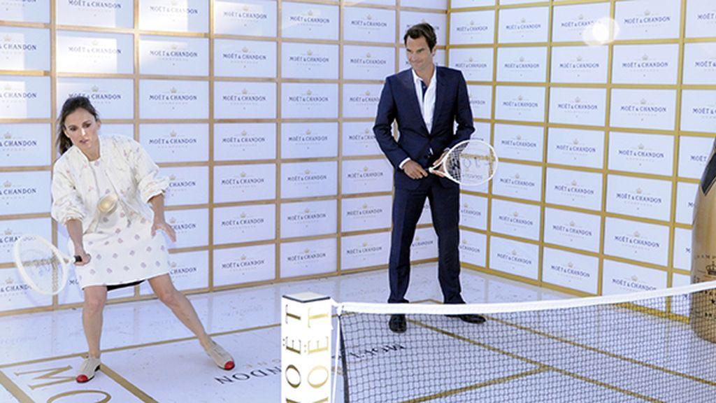 A Elena Anaya no le costó ponerse a la altura de Roger Federer