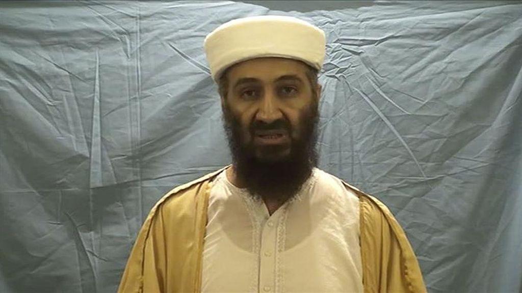 El líder de Al Qaeda, Osama bin Laden, fallecido hace una semana en una operación militar estadounidense, amenazó a EEUU en un mensaje elaborado antes de su muerte y hecho público hoy por una página web empleada por islamistas. EFE/Archivo
