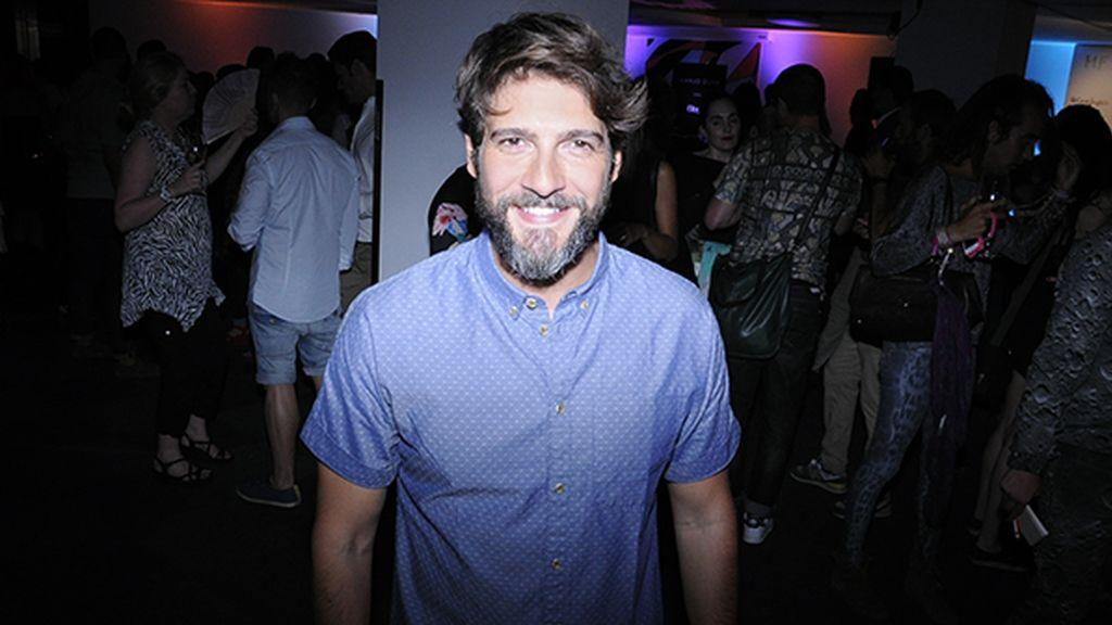 Félix Gómez no se perdió la fiesta con la que Juanjo Oliva celebraba el éxito de su nueva colección