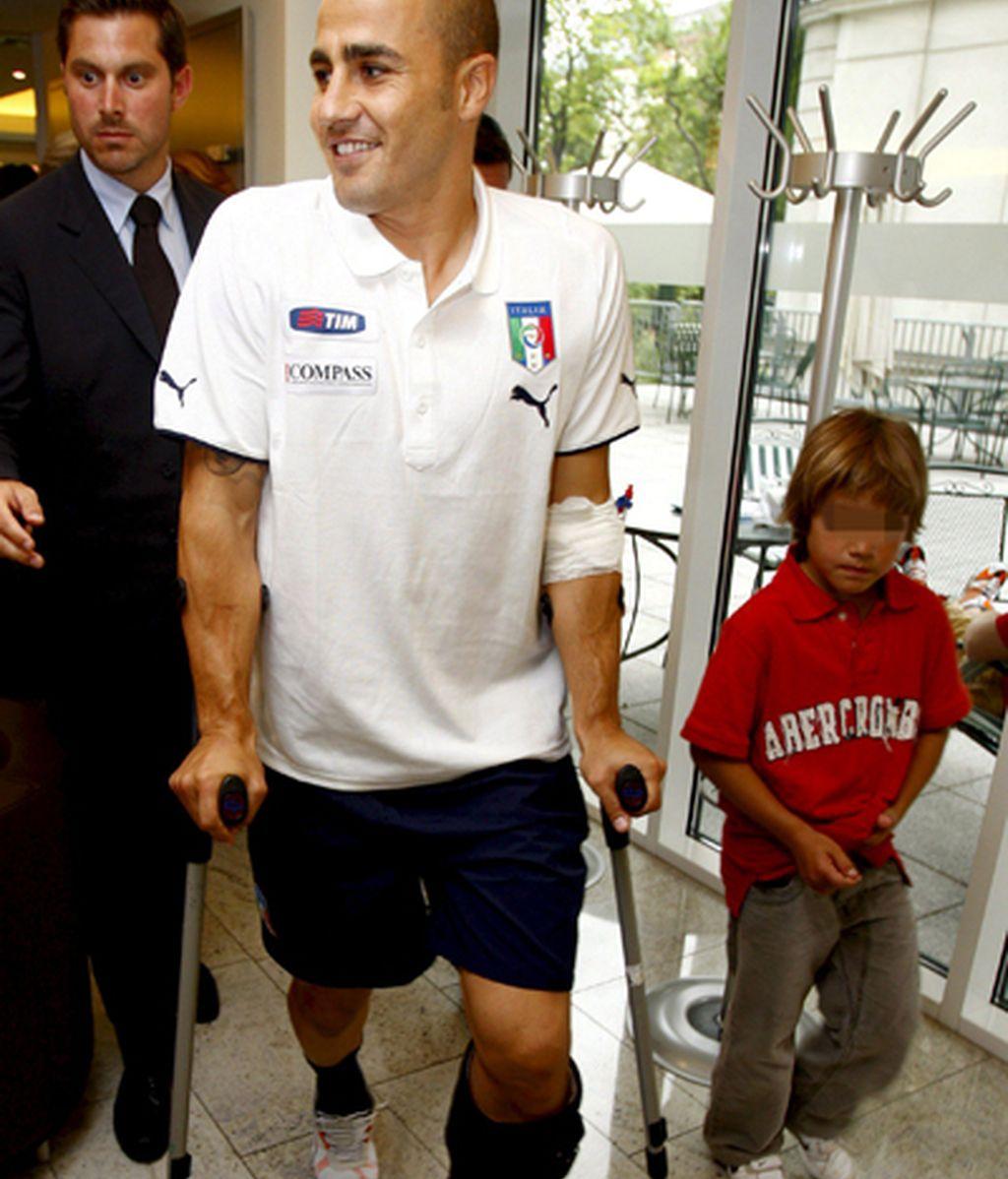 Cannavaro tras ser operado este miércoles. FOTO: EFE