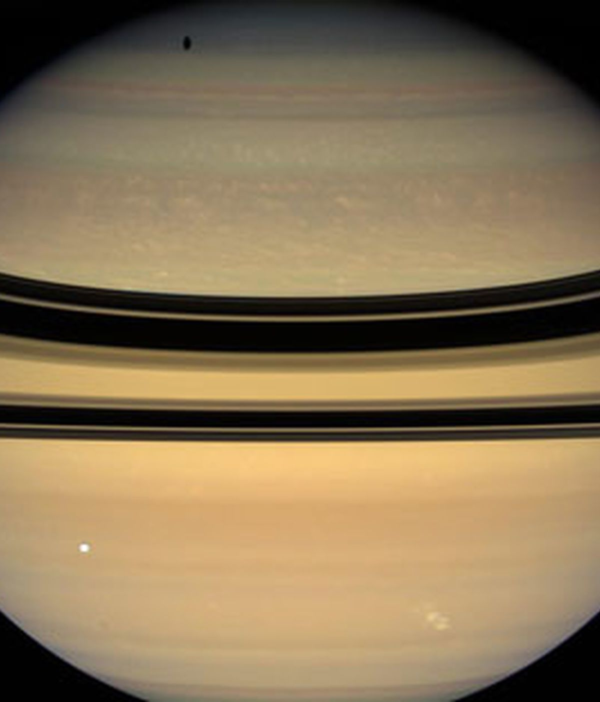 La sonda Cassini-Huygens capta una inmensa tormenta eléctrica en Saturno