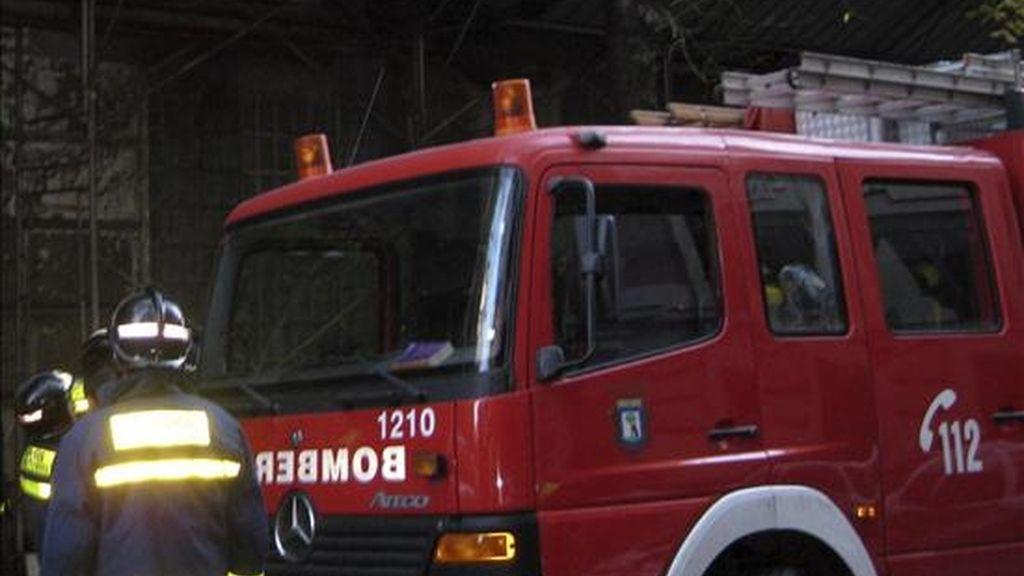 Los bomberos del Ayuntamiento de Madrid en un incendio. EFE/Archivo