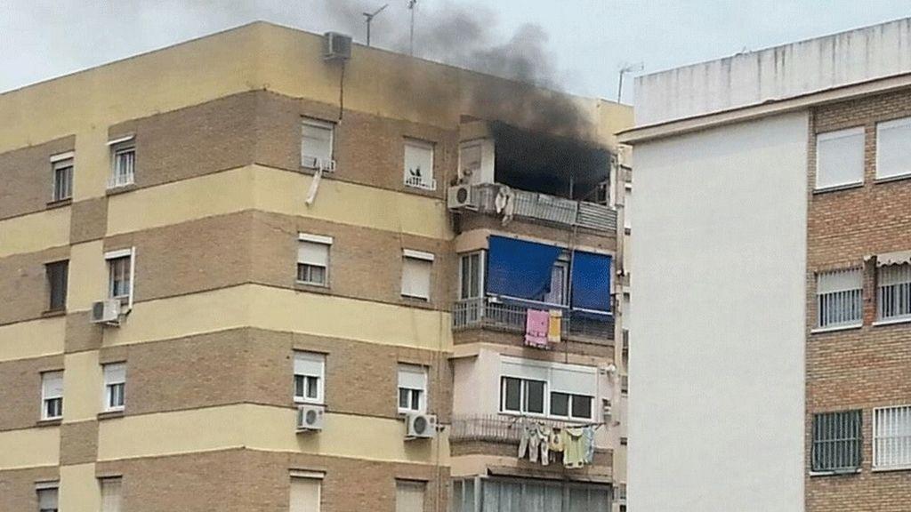 Encuentran a un hombre fallecido en el incendio de una vivienda en Málaga