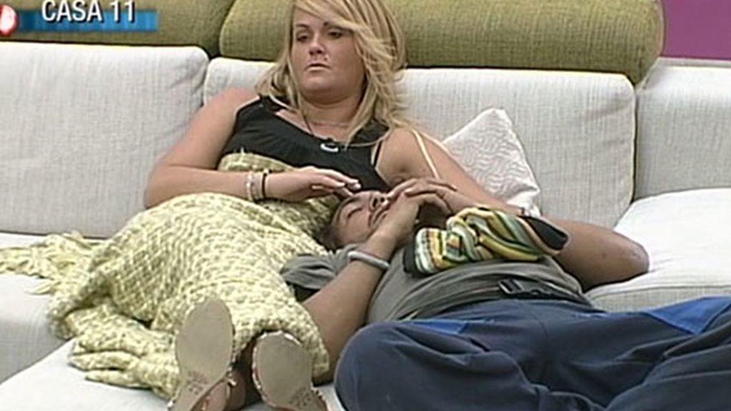 Saray y Ángel, masajes a media luz