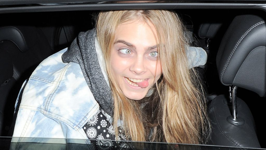 La joven modelo siempre saca su faceta más gamberra ante la prensa
