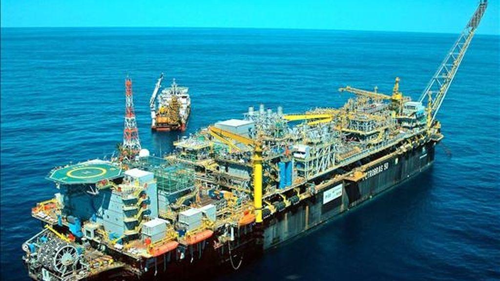 El nuevo sistema se podrá emplear en profundidades marinas de hasta 3.000 metros y tendrá una capacidad inicial de 100.000 barriles diarios, con la posibilidad de ampliarlos en el futuro. EFE/Archivo