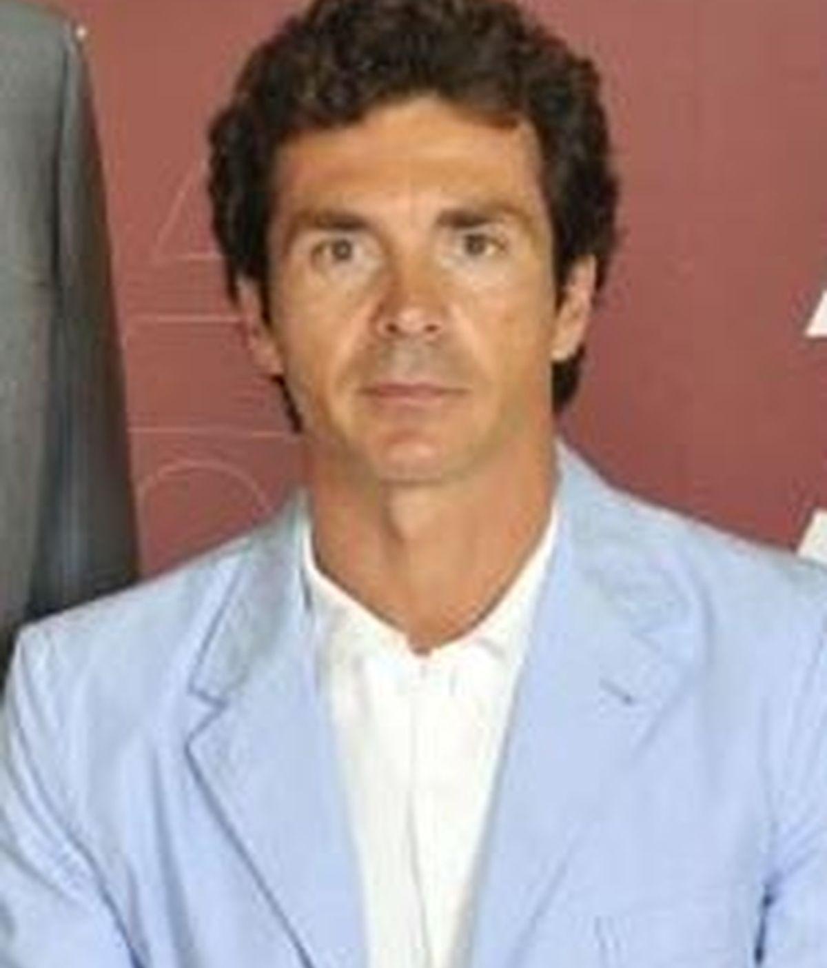 Guillermo Amor es comentarista habitual de los eventos futbolísticos ofrecidos por la cadena. FOTO: TELECINCO