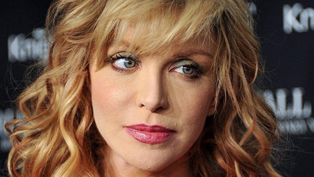 Courtney Love, visita su tienda de segunda mano