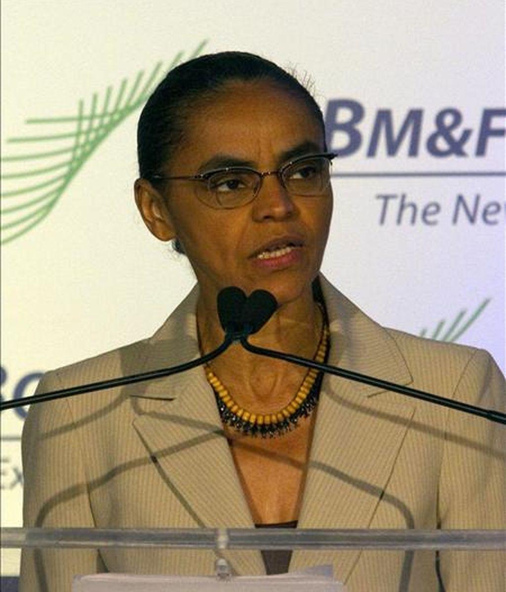 La senadora y candidata a la presidencia de Brasil, Marina Silva, pronuncia un discurso sobre su plataforma política frente a empresarios e inversores durante un almuerzo realizado en un hotel de Nueva York (EEUU). EFE