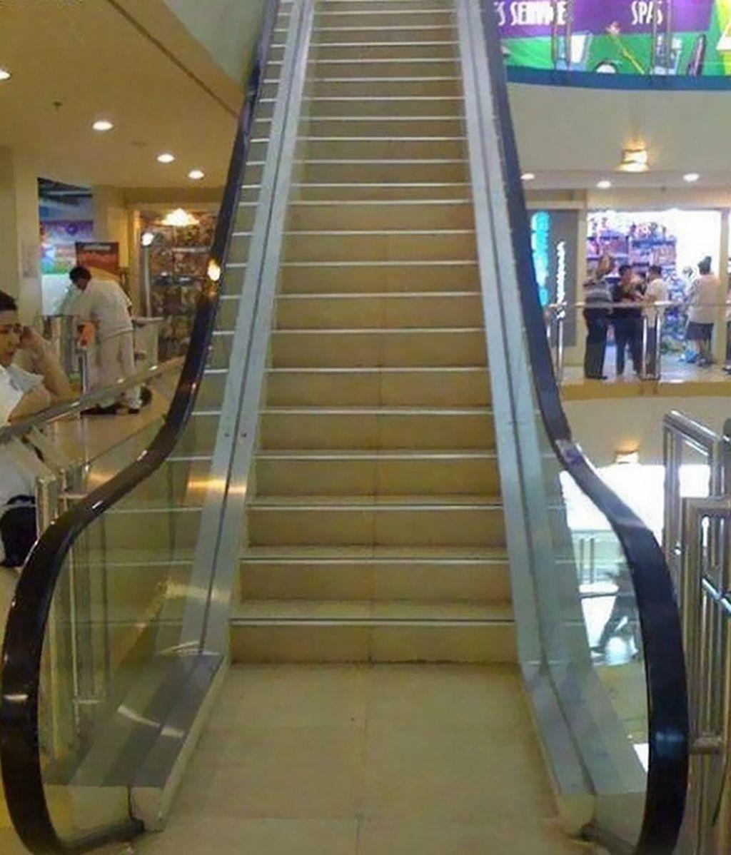 ¡Menudo disfraz de escalera mecánica!