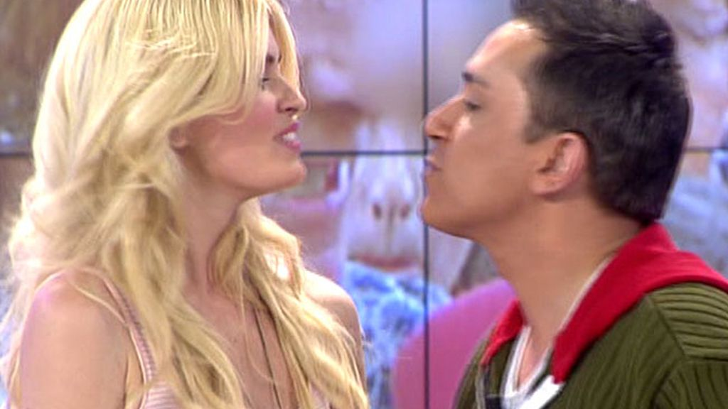 ¡¡¡Adriana y Kiko se besan!!!