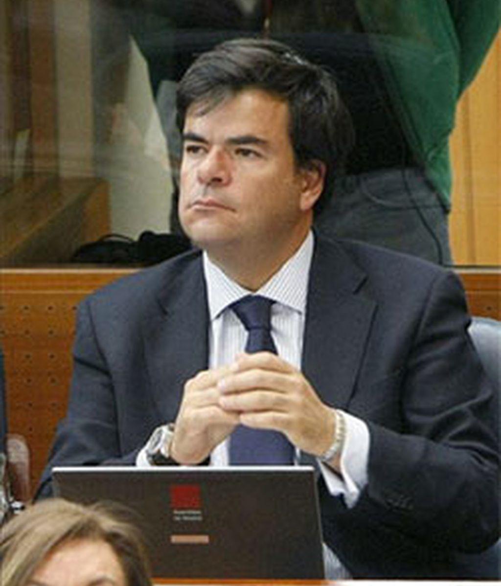 Son el parlamentario del PP en Madrid, Alfonso Bosch, y el ex viceconsejero de Inmigración Clemente Aguado. Vídeo: Informativos Telecinco
