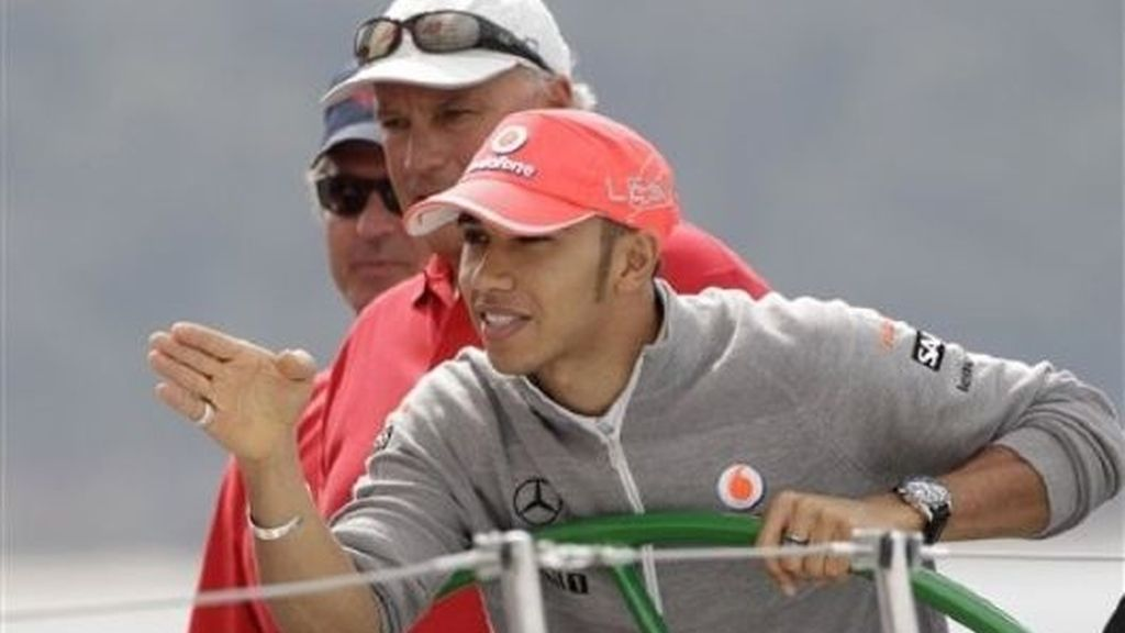 Lewis Hamilton ya está en Australia. FOTO: AP.