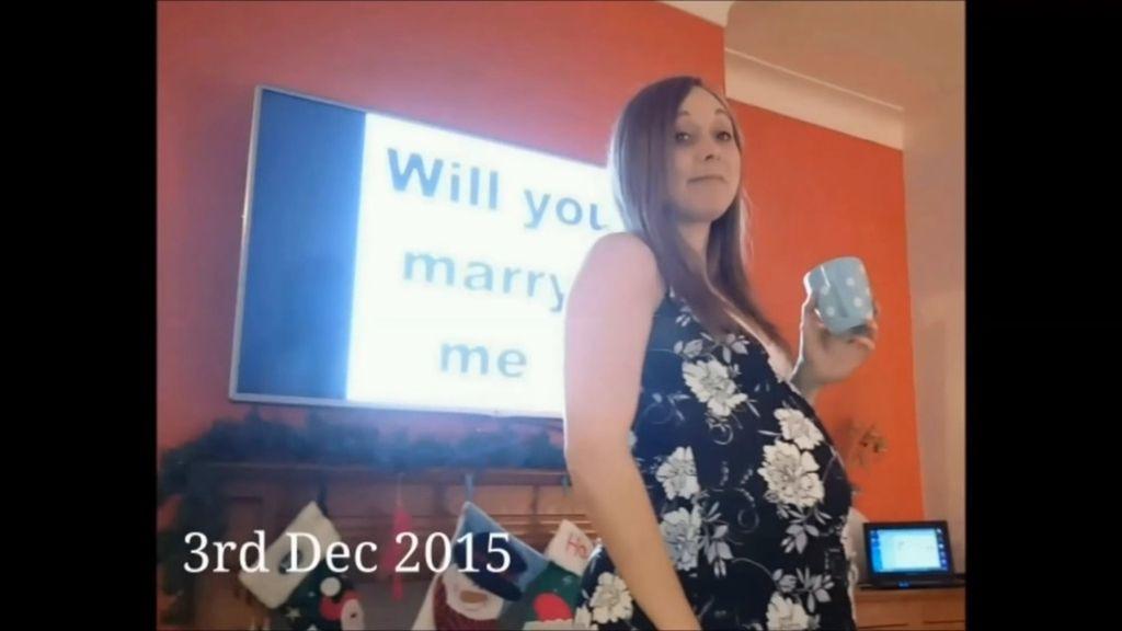 Le pide matrimonio durante 147 días y no se da cuenta