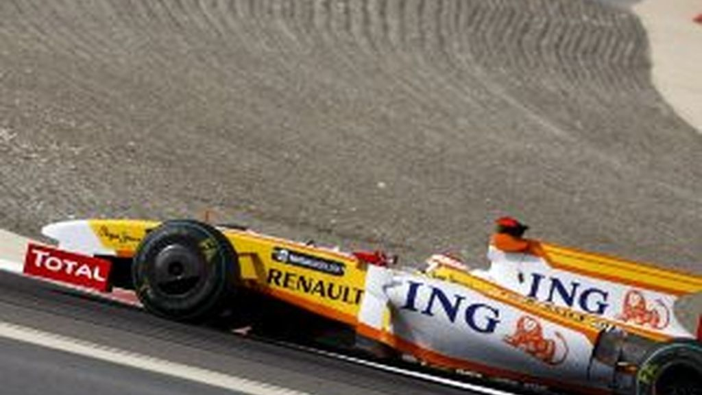 Alonso rueda en Bahrein. Foto: EFE