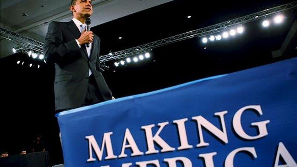El presidente de los Estados Unidos, Barack Obama, durante una intervención hoy en Fort Myers, Florida, EE.UU.. Obama, dijo que la comunidad hispana de Estados Unidos ha sido la que más ha sufrido los embates de la crisis económica. EFE