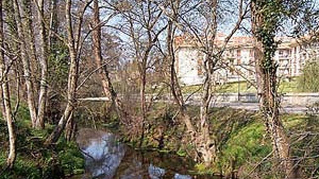 El río de Miñor a su paso por la localidad de Gondomar.