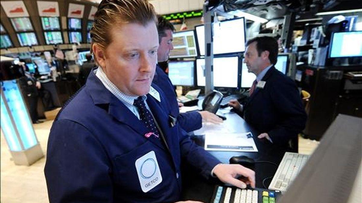 El Dow Jones de Industriales, que agrupa a 30 de las mayores empresas cotizadas de Estados Unidos bajó 19,90 unidades (-0,17%) y se ubicó en los 11.362,19 enteros. EFE/Archivo