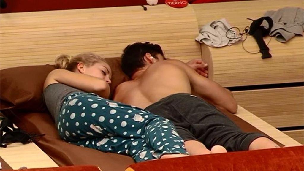 ¡Yolanda y Jonny duermen juntos!