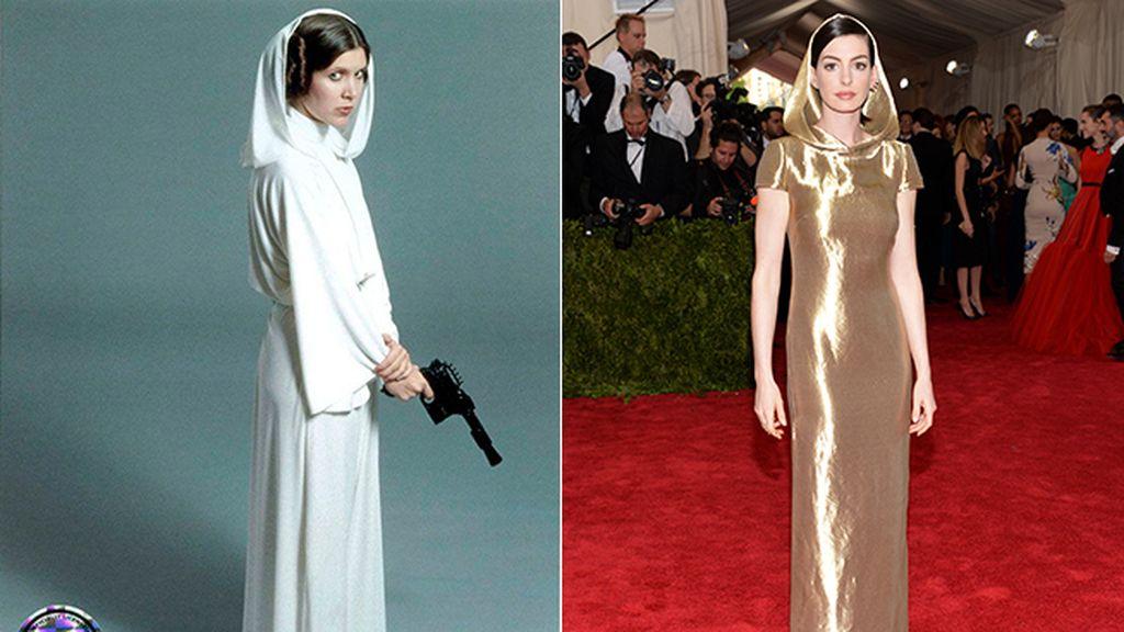 Vestido con capucha, el estilo galáctico que copió Anne Hathaway