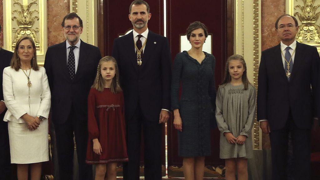 Fotografía oficial de la apertura de las Cortes