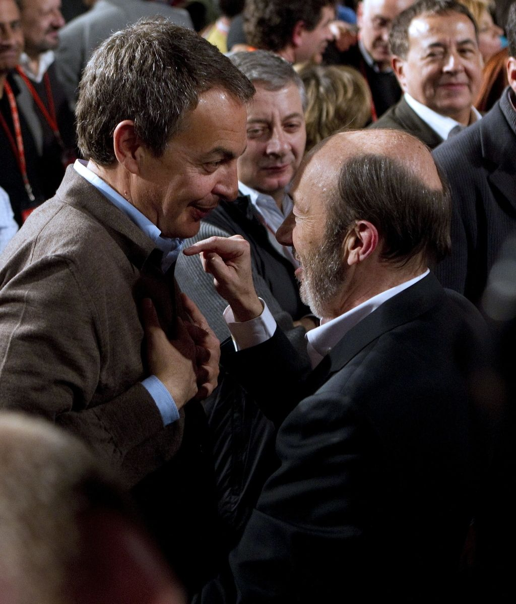 José Luis Rodriguez Zapatero felicita a Alfredo Pérez Rubalcaba