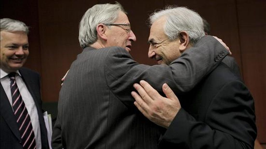 Los ministros de Finanzas de la UE rechazan ampliar el fondo de rescate y la emisión de eurobonos. VÍDEO: Atlas.