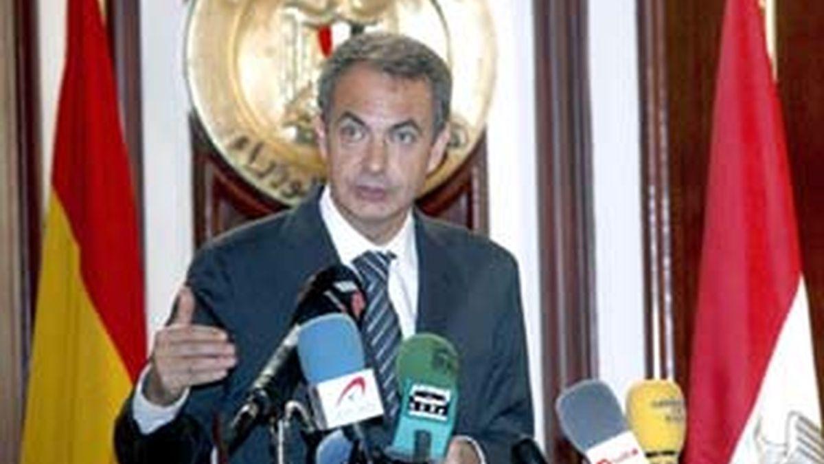 El presidente del Gobeirno, José Luis Rodríguez Zapatero, en rueda de prensa en Egipto. Vídeo:ATLAS