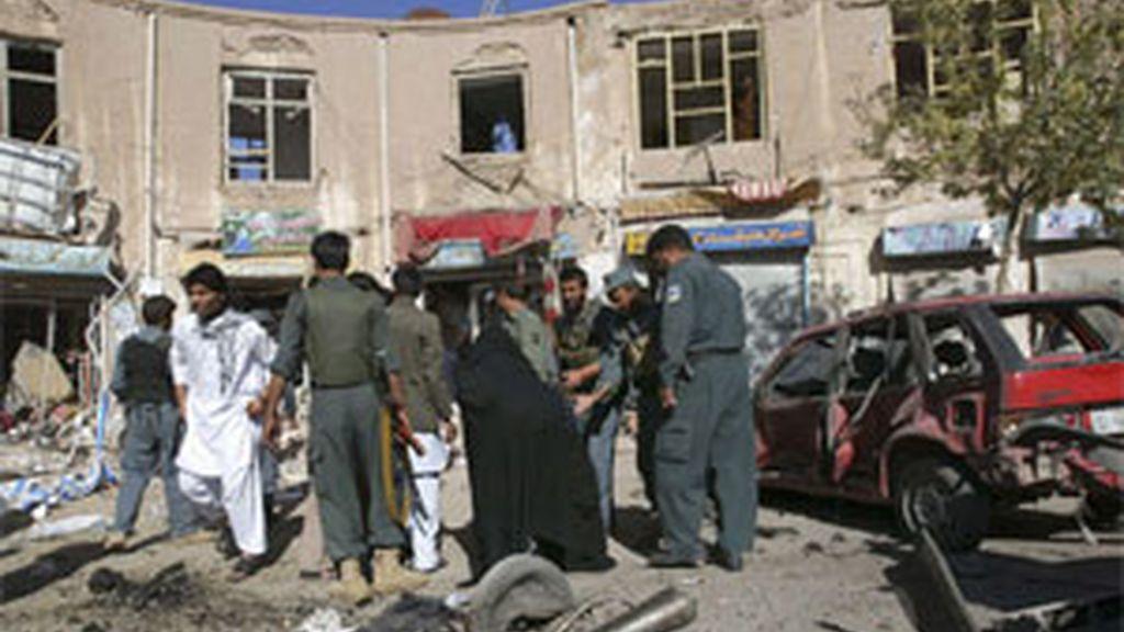 Imagen de uno de los peores atentados registrados en Afganistán, donde murieron 90 personas. Foto: EFE.