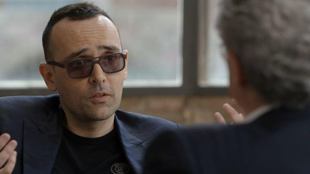 El psiquiatra charla con el publicista