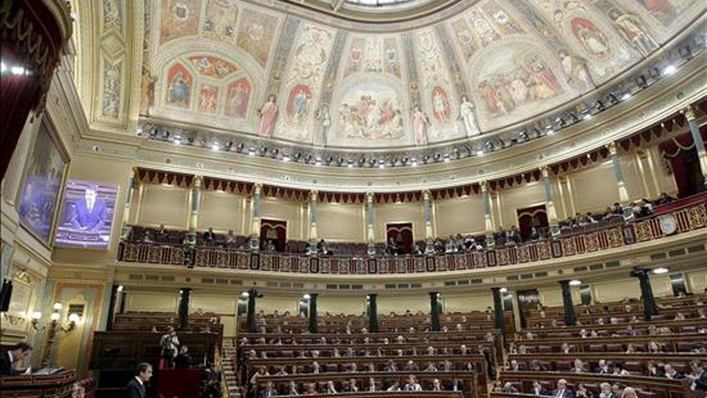 Vista general del pleno de ayer del Congreso de los Diputados. EFE
