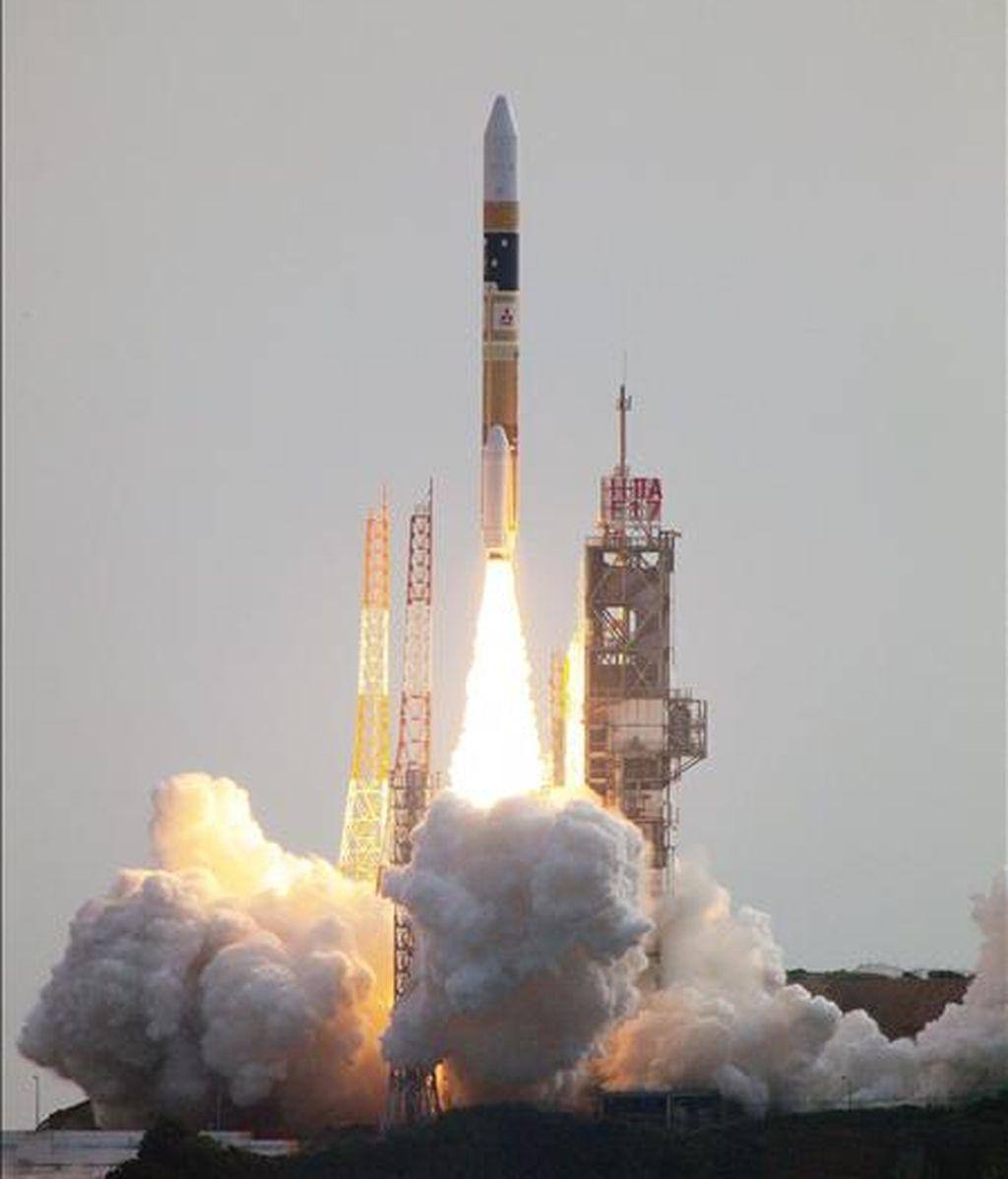 En la imagen, facilitada por Mitsubishi Heavy Industries, que muestra el lanzamiento de la sonda 'Akatsuki'. EFE/Archivo