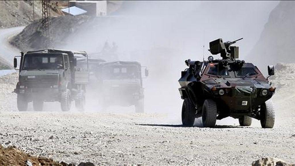 Tropas del ejército turco patrullan la provincia turca de Hakkari, al sureste del país, el pasado 19 de junio. EFE/Archivo