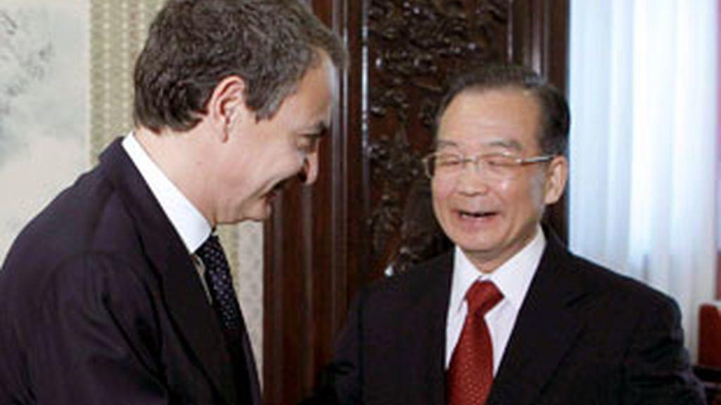Un fondo chino anunció que estaba dispuesto a invertir más de 9.000 millones en las cajas españolas. FOTO: EFE