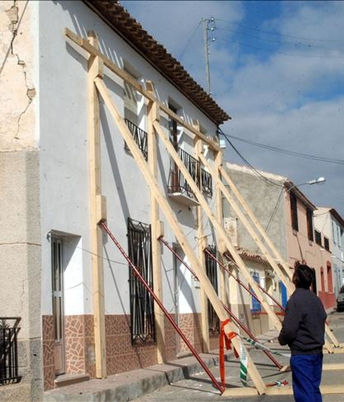 Algunas de las viviendas de la pedanía murciana de Zarcilla de Ramos tras un seísmo de 4,6 grados en la escala de Richter. EFE/Archivo