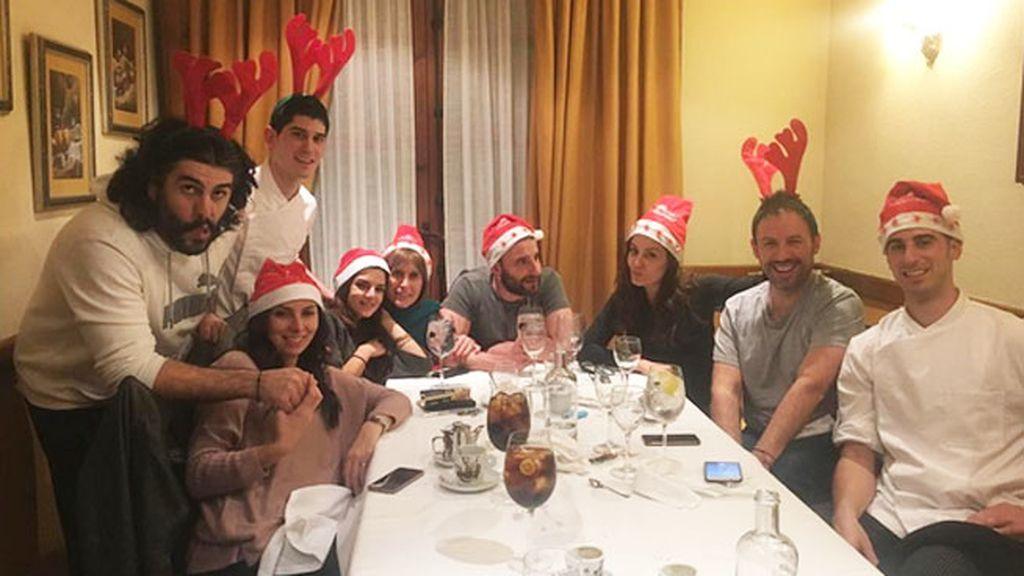 Renos vip: Hiba Abouk, Dani Rovira y Clara Lago, juntos en una cena pre-Nochebuena