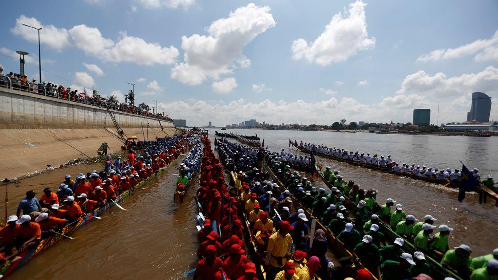 El Festival del Agua, un carrera de remos