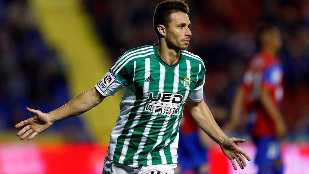 El Betis tira de Rubén Castro (0-1) ante el Levante