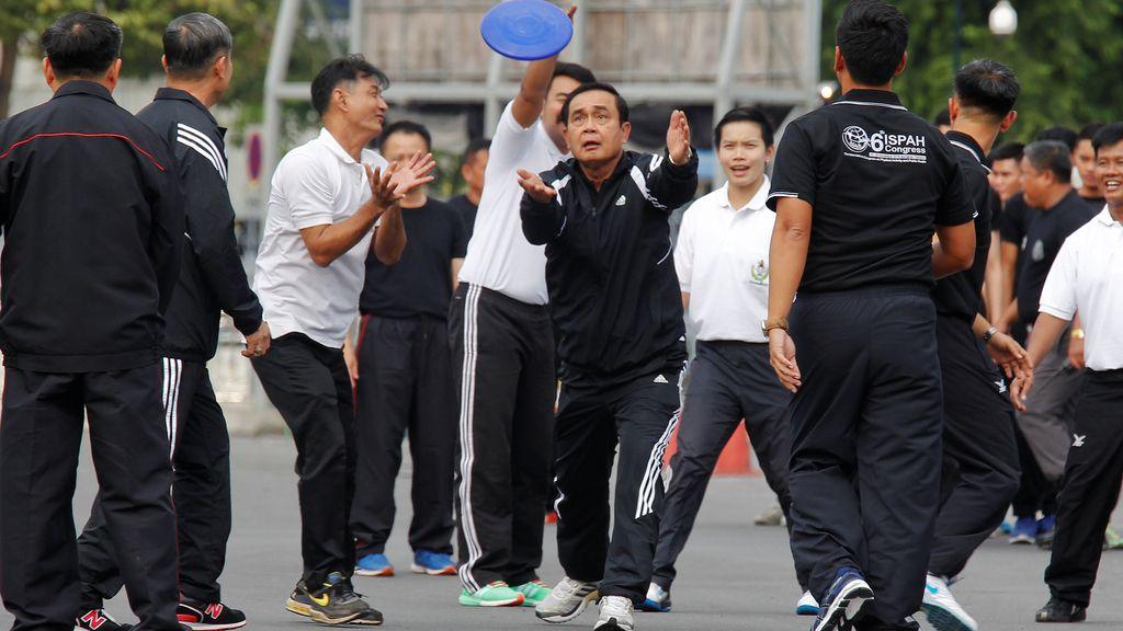 El primer ministro de Tailandia, un ejemplo de vida sana