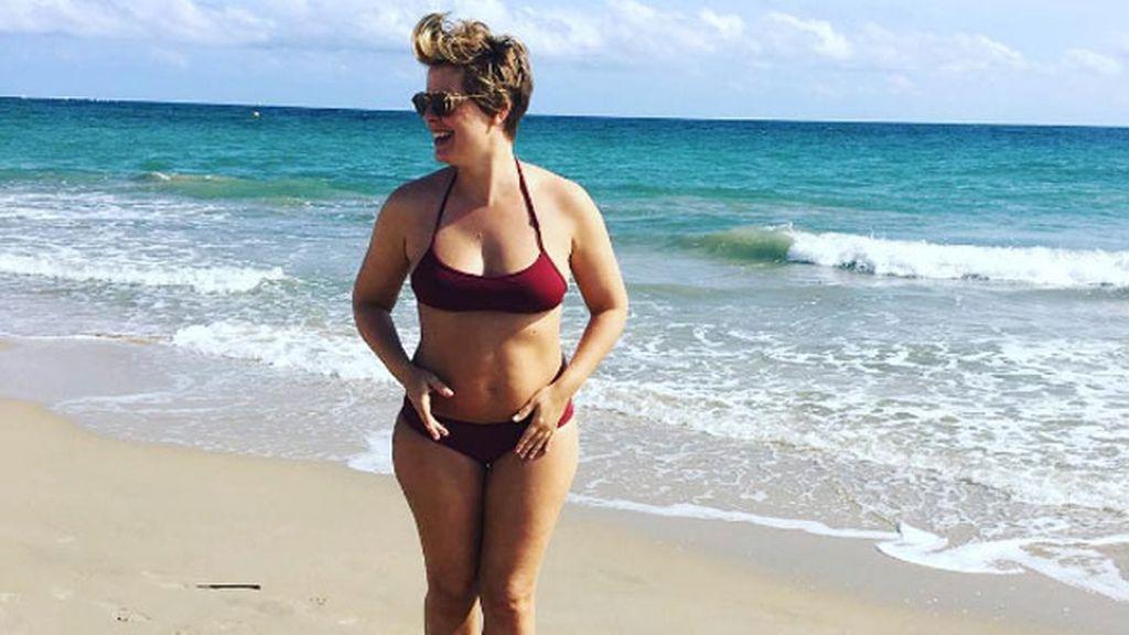 Tania muy orgullosa de sus curvas y de su talla 44