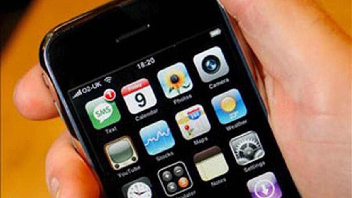 Esta aplicación del iPhone permitiría a los fans estar más cerca de sus ídolos. Foto: EFE