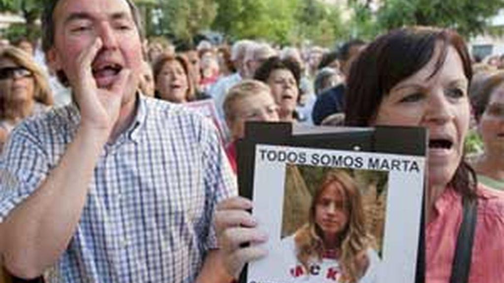 Manifestantes piden el endurecimiento de las penas. Foto: EFE