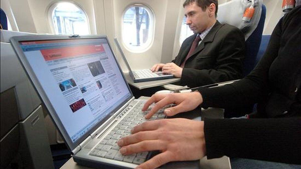 Una vez instalada en el escritorio de cualquier plataforma de computación de PC, la aplicación permitirá a su usuario observar y analizar el ahorro de energía al que están contribuyendo en colaboración con otros usuarios. EFE/Archivo