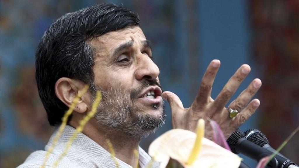 """El presidente iraní, Mahmud Ahmadineyad, criticó hoy la injerencia de Occidente en las revueltas que sacuden el mundo árabe y afirmó que el único objetivo de su intervención en la zona es """"salvar a Israel y al capitalismo"""". EFE/Archivo"""