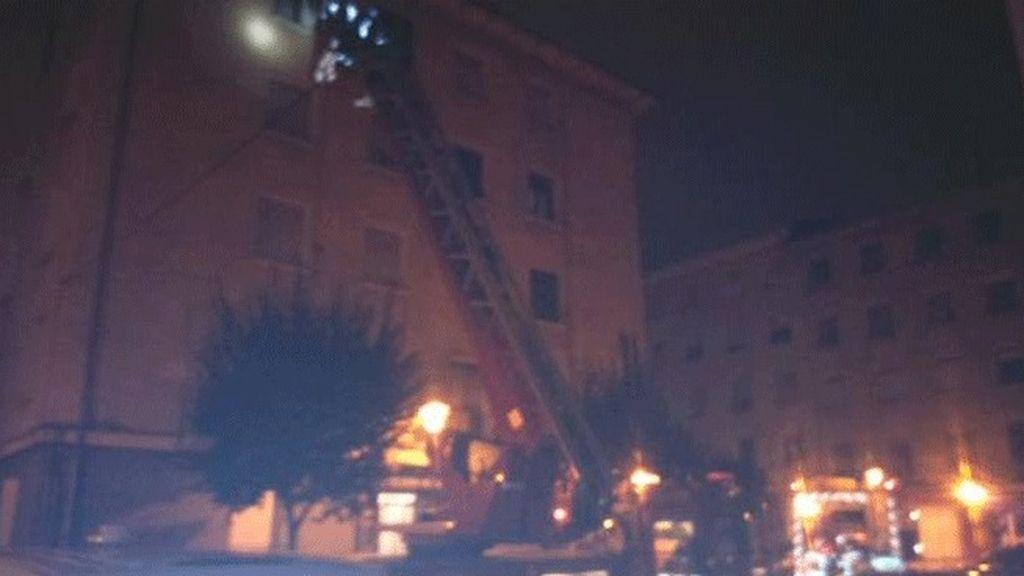Fallece un varón de 50 años tras declararse un incendio en una vivienda de Barakaldo
