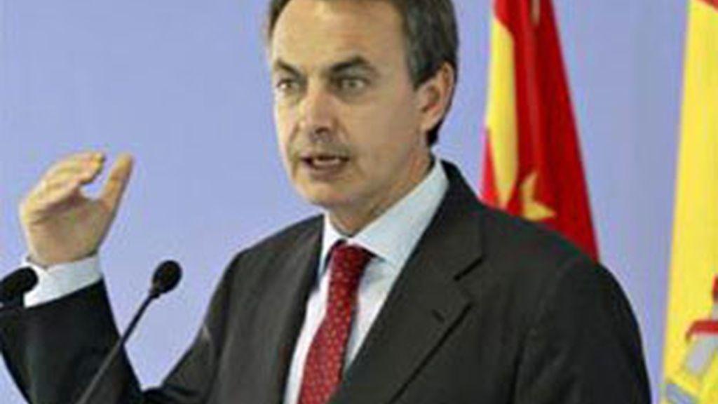 Tras la parada en Singapur, Zapatero va a dirigirse de nuevo a China para participar en el Foro Boao para Asia en la localidad de Sanya. FOTO: EFE