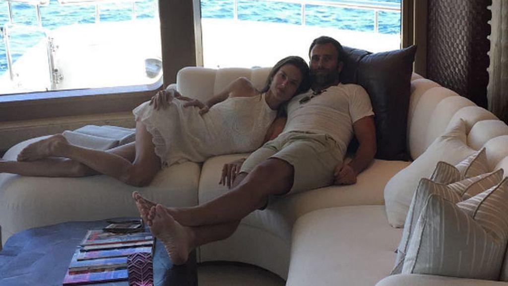Alessandra Ambrosio, la eterna comprometida de Jamie Mazur