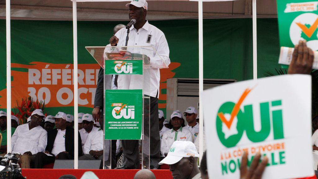 Costa de Marfil votará si cambia la Constitución