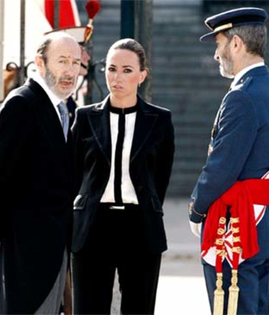 La ministra de Defensa, Carme Chacón, junto al ministro de Interior, Alfredo Pérez Rubalcaba. Foto: EFE